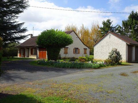 LE POINCONNET Centre ville, House 3 Room (s) 95 m², Land 4279 m², 2 Bedrooms