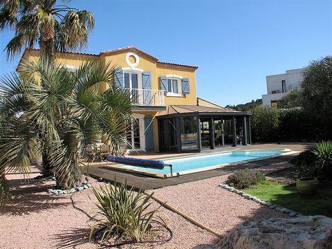Une villa Provençale de 172 m² de style aux finitions irréprochables sur un jardin clos et arboré de 750 m² avec une belle piscine d'un bleu Azur ! Agde 34300 Visite détaillée de 18 pages avec de nombreuses photos sur notre site www.EspritSudEst.com ...