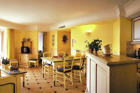 The residential complex has apartments for four people, FR-83120-18, and for six people, FR-83120-19 and FR-83120-20. The apartments are well kept and attractively furnished in Provencal style. All apartments have air-conditioning and a terrace or ba...
