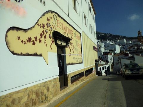 Bar / Restaurant Well established and spacious bar in the heart of the white village of Cómpeta. Seating around 140 covers split between two areas of the property along with a large bar. Kitchen and store room. Ladies and gents toilets. Fixtures and ...