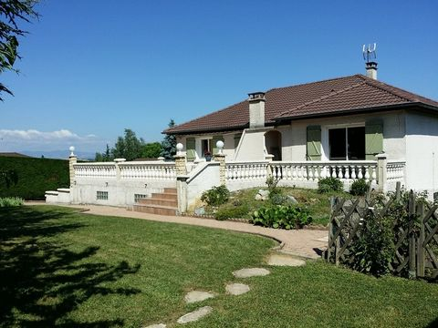 MARENNES Proche Bourg, House 5 Room (s) 145 m², Land 1250 m², 3 Bedrooms, Fitted kitchen.
