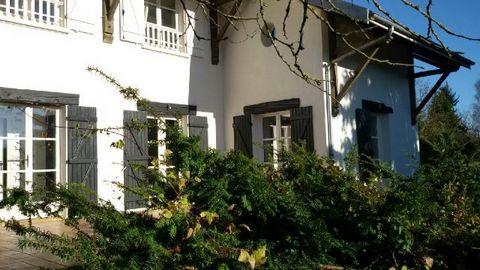 ST DIZIER Périphérie, Architect House 9 Room (s) 235 m², Land 5843 m², 4 Bedrooms.