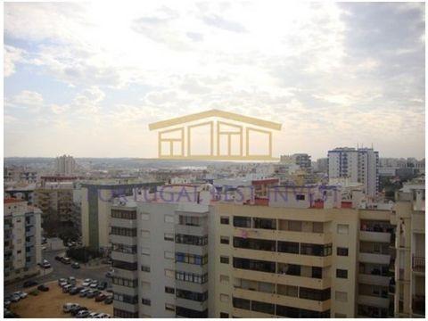 T1 rénové cinquième do Amparo T1 rénové ferme de Amparo. Appartement 1 chambre entièrement rénové. Situé à Quinta do Amparo, près du centre commercial, McDonald s ´ Continent, entre différents types de commerce et les services. A quelques minutes du ...