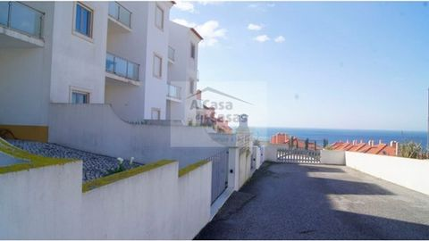House 3 bedrooms distributed in 3 floors, with excellent sea views, located at 800 m from the beach and 6 km from Ericeira. The property is developed as follows: Basement: garage for 4 cars, toilet and a Division prepared for cooking. Ground floor: e...