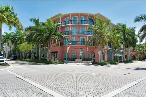 CONTEMPORARY ELEGANCE IN THE HEART OF PINEAPPLE GROVE WITH ITS SUPERB LOCATION EXCEPTIONAL DESIGN THIS LUXURIOUS RARELY AVAILABLE PENTHOUSE FEATURES 3 BEDROOMS AND 3 FULL BATHROOMS . KITCHEN BOASTS ITALIAN -STYLE CABINETRY . THICK-SLAB GRANITE COUNTE...