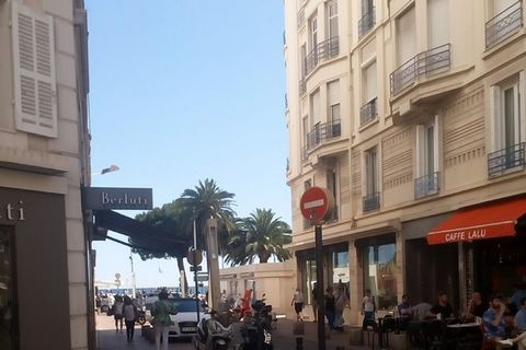 Modern furnished studio with air conditioning, just behind the famous Croisette in Cannes. Ideal location! Shopping at Chanel and Armani, strolling on the promenade, sunbathe on the beach and long lunch in one of the beautiful strandclubs.Bezoekt als...