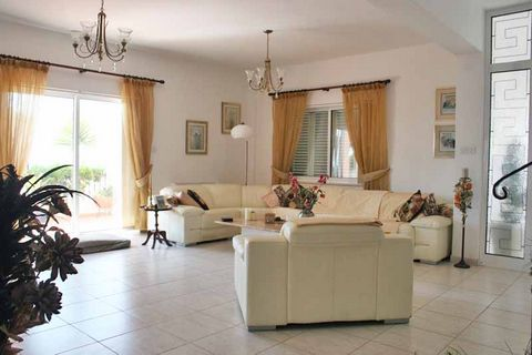 A four bedroom detouched house is available for sale in Oroklini.  The house comprises a basement floor with a large open plan room which has the following facilities: a full size snooker table and a table tennis, a built in bar with stools, a built ...