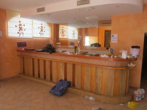 Commercial Premises for sale in Estepona Centro, Estepona, 2 bathrooms. Regarding property dimensions, it has 260 m² built. This property has the following facilities: Close to Sea/Beach, Bars, Unfurnished, Transport near, Air conditioning, Reduced m...