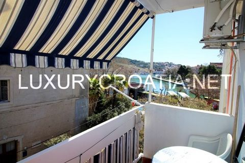About this Property: (EX-T-1) Apartment for sale on exclusive location with sea view, Trogir Apartment for sale on exclusive location with sea view, Trogir. This location is special because the apartment does not only have the sea view, but also the ...