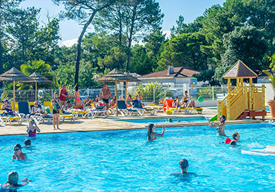 Opposite Ile de Ré, Longeville-sur-Mer is in an ideal setting on the Atlantic Coast offering all the pleasures of the seaside. The beautiful scenery is just waiting to be explored : marshlands, farmland and long, sandy beaches backed by forest - all ...