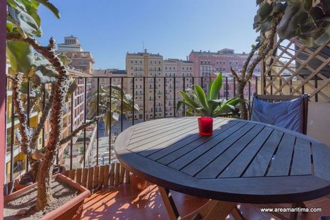 Description: Nice apartment on a sixth floor, which overlooks the port, at the coast in a quiet residential facing east. It is distributed in three bedrooms, a large and bright living - dining room, a nice fully equipped kitchen, two bathrooms and a ...