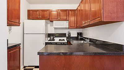 Ref # 373661 Because we focus on monthly rentals, we do not accept bookings with a gap between move in date and availability date. We generally require move in dates to be within 7 days of the availability date.