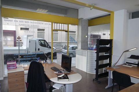 BOURGES Centre ville, Boutique - Magasin - Murs commerciaux 36 m².