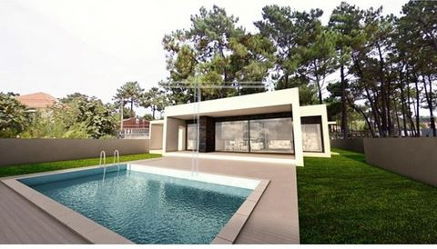 Detached house 4 bedrooms single storey, new, contemporary architecture, with chance to barter, 154m2 building, ground area with 514m2. Equipped with pre-installation of air conditioning, central VAC, alarm, video entry system, solar panels, double g...