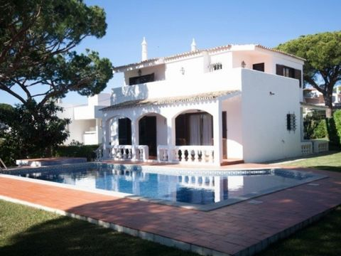 This property is located in a very calm development and close to several amenities, also very privileged due to its very close distance to Faro Island and beach and also airport. The villa is decorated in a classical style, very spacious and bright. ...