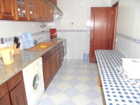Description Apartment with 2 bedrooms, placed in the ground floor + garage and store room on the underground.Placed at 50 meters from the beach., Floor 0 - Rooms; Bathroom (s) 1; Kitchen(s) 1; Total bedroom(s) 2; Living Room (s) 1; Number of floors 1...