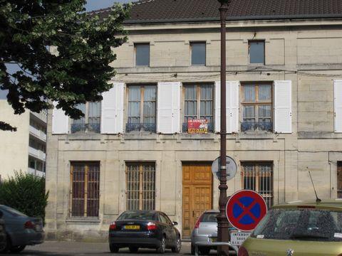 ST DIZIER COEUR DE VILLE, Maison de caractère 20 Room (s) 470 m², 2 Floors, Land 896 m², Living-room 21 m².