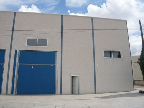Warehouse for sale situated in Cabañas de la Sagra, Toledo, Spain. The property has bedroom and bathroom and a build size of 539.29m2. Sold free of debts and charges, mortgages available subject to status. Ref:Net-184809.