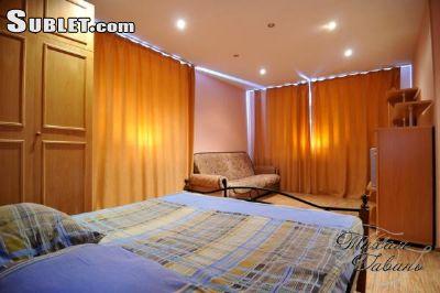 Sublet.com Объявление № 2443342. Уютная 1-комнатная квартира. Класс Евро. 2 +2 спальных места. 35м2. Центральная часть. есть двуспальная кровать и диван, полностью меблированная кухня, телевизор, утюг и гладильная доска, ванна