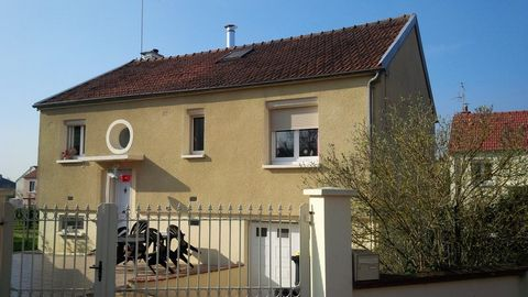 ST GEORGES SUR BAULCHE Centre ville, House 6 Room (s) 100 m², Land 410 m², 2 Bedrooms, Fitted kitchen.