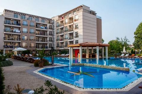 Comfortable apartment of 66 square meters with two bedrooms, with open-plan kitchen-dining room, with two bathrooms with showers and boilers. Two air conditioners. There is a large double balcony overlooking the pool and mountains. The apartment is e...