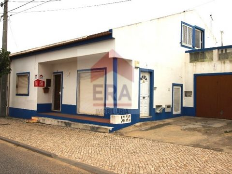 House 2 Bedrooms. With attic of 80 m 2 with separate entrance. Patio with two annexes, one with churrsqueira. Well located. Energy Rating: D #ref:150160264