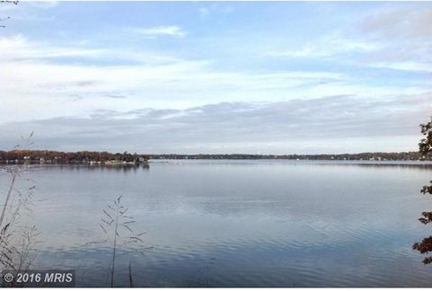 19.2 Acres of Prime Annapolis Severn River Waterfront perched 60 ft. above high tide. Over 453 feet of Deep Water Shoreline (5ft MLW) Imagine the Sweeping, Private, Panoramic views this property offers at the widest point of the Severn River! Build y...