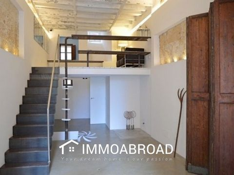 Modern Local in the area of Calatrava.Trendy local with 65m2. Excellent location near the convent of Santa Clara, in the emblematic area of Calatrava. This beautiful space has high ceilings, 1 bathroom with shower, pre-installation for a kitchen, sle...