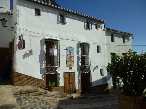 Restaurant, Guest house & Owners accommodation Fantastic business opportunity in the centre of the white village of Archez. Consisting of Bar / Restaurant seating around 45 covers including a courtyard. There is a fully fitted professional kitchen, b...