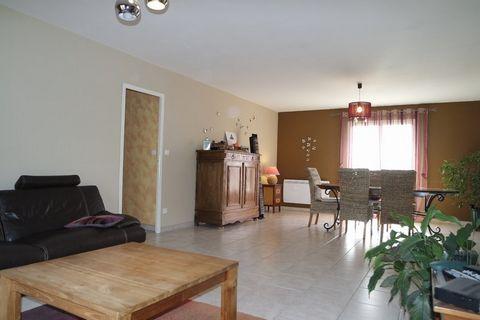 GRON Centre ville, House 5 Room (s) 151 m², Land 3270 m², 4 Bedrooms.