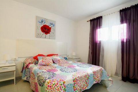 Apartment la Avenida Puerto del Carmen is located in Puerto del Carmen in ¨La Peñita¨close to the beach , the seafront of Puerto del Carmen and all the facilities. Apartment la Avenida has Share Pool, 1 bedroom, 1 sofa bed, 1 bathroom, Kitchen fully ...
