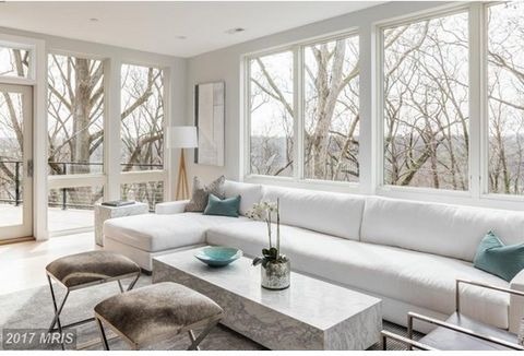 OPEN Sunday 3/26, 1-4PM. Brookes Ridge features 11 beautiful new town homes in Bethesda. Model home is complete and Phase 1 of sales has commenced. Homes include two car garage, floor-to-ceiling windows, Potomac River views, private elevator, and roo...