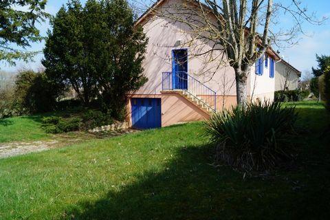 MONETEAU Centre ville, House 3 Room (s) 75 m², Land 800 m², 2 Bedrooms.