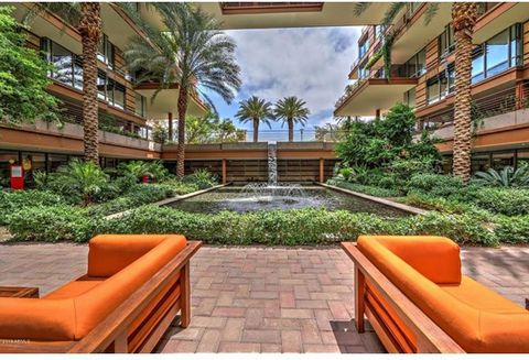 Live like a celebrity in the heart of Scottsdale. With neighbors like Postinos, SushiRoku, & the eclectic Scottsdale Fashion Center,there's never a dull moment. This beautiful home has everything you need,the use of wood,granite & travertine add to t...