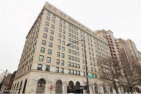 Welcome to the Pierre, a boutique sized luxury condo building in the heart of Lincoln Park. This rarely available 4 BR/3BA duplex has spectacular views and is ideally located across from the park & the zoo. Gracious rooms sizes and high ceilings. The...