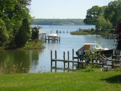 Secluded, waterfront, historic colonial home with water access and a boat slip located within 4 miles of historic Annapolis. This house was originally built in the 20's with a big addition added in the late 40's.
