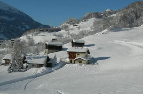 In the quiet and idyllic surroundings near Disentis / Sedrun with a fantastic view to the Surselva we rent our studio with separate entrance and parking / garage. Directly from the house you start your hikes in the mountains. The ski lifts of Laax, O...