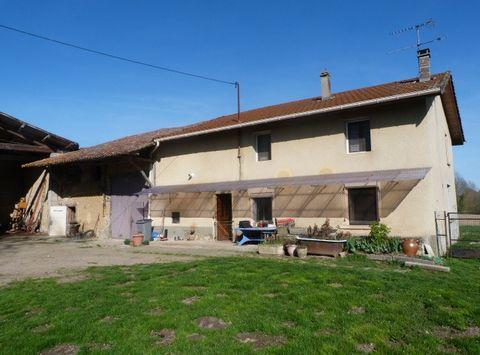 LES EPARRES Centre ville, Farm 6 Room (s) 133 m², 1 Floor, Land 2100 m², 3 Bedrooms