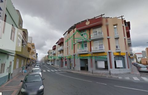 189.000€ Sale Commercial local in el tablero Maspalomas It is sold centrally in the main street of the board. Community charges € 37. low level. For more information ask about Letizia