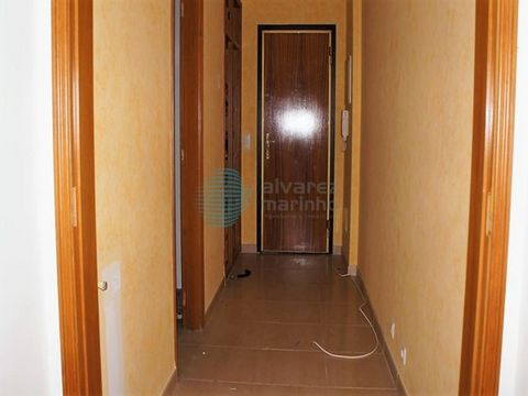 Ref: 1545-T3UJL FINANCING UP to 100%. Houses and apartments for sale used, with 1 parking and storage. Comprising entrance hall, living room, kitchen, storeroom, balcony facing the whole House, 3 bedrooms one of them suite and wc. Equipped with video...