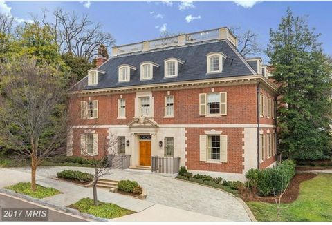 Stunning Kalorama home meticulously renovated from top-to-bottom by renowned NYC architecture firm, Ferguson & Shamamian featuring grand rooms with incredible proportions, high ceilings, ornate woodworking, custom fixtures, and commercial-grade appli...