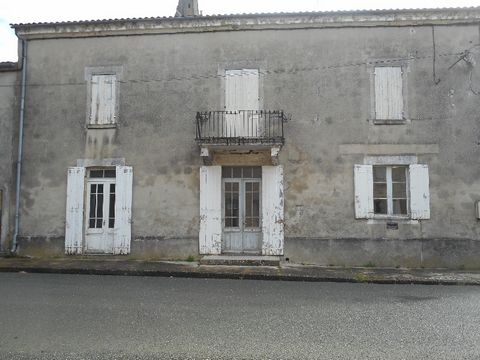 On a small municipality close to Marmande, a beautiful bright house renovated with its big volumes. On 220 m ² livable. Do not hesitate to contact us to guide you on this good.