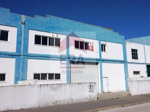 2 Warehouses for sale. 1,320 m2 gross area. With patio. Warehouse building consist of 2 floors, 2 bathrooms and patio. Warehouse B consisting of 2 floors w/1 kitchen and patio. Excellent location. Industrial park in the city centre. Property of Bank ...