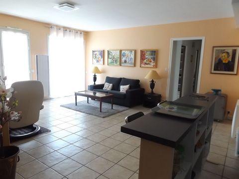 NANTES (44100) : Quartier PROCE: Bel appartement T3 de 62,34 m² habitables en parfait état situé au 2ème étage avec ascenseur. Budget: 259 975 euros Honoraires inclus (3,99% charge acquéreur soit 250 000 euros net vendeur). Il se compose d'une entrée...