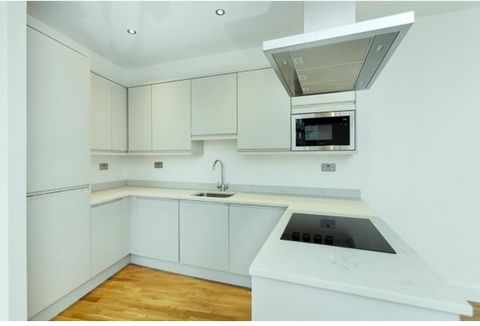 Square Quarters are excited to present this stylish brand newly refurbished two bedroom two bathroom apartment ideally located on the cusp of Bloomsbury, Clerkenwell & Kings Cross. The apartment impressively boasts over 690 Sq Ft of space on the firs...