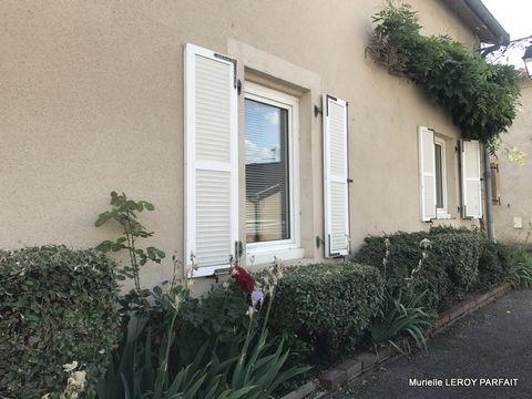 Murielle LEROY PARFAIT vous propose à ARGANCY , axe A31 METZ-THIONVILLE une belle maison rénovée de130m² dans le centre du village très prisé proche des infrastructures sportives le long de la Moselle/Situation stratégique car à 2mn de l'entrée de l'...