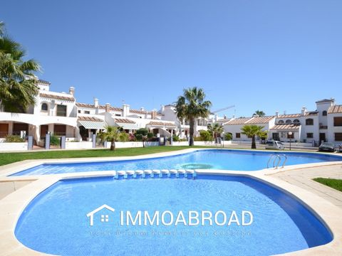 Property for sale located in the urbanization of Villamartin. It is located in a privileged place surrounded by services such as bars, restaurants, shops, supermarkets and just a step away from the beautiful beaches of Orihuela Costa. This property h...