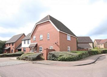 A well maintained one bedroom first floor apartment situated just a short walk from local amenities and a short drive from Harlow town centre with its excellent range of facilities including mainline railway station. Offered unfurnished, the property...