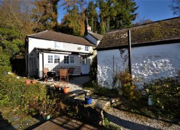 . Approached via gravelled pathway, uPVC double glazed door gives access into... Entrance Hall Leads to kitchen. Kitchen9'2