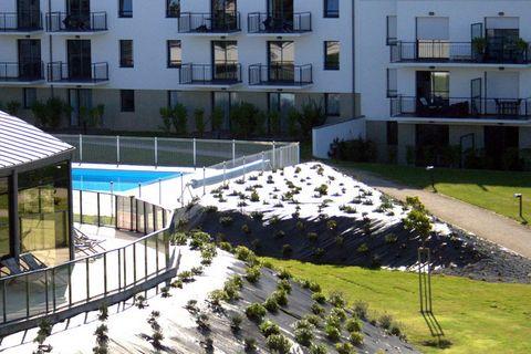 Les jolis appartements bien agencés, disposent d'un balcon ou d'une terrasse. Vous avez le choix entre des appartements à une ou à deux chambres. Les plus grands (FR-29900-14) bénéficient toujours d'une vue sur la mer ; les plus petits donnent soit s...